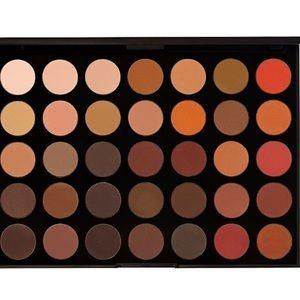 35OM Nature Glow Matte Eyeshadow Palette